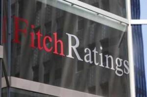 Απειλεί με default event την Ελλάδα η Fitch
