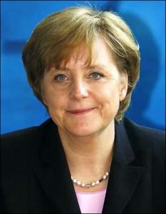 O Hollande «πείθει» τη Γερμανία για «αλλαγές» στη νέα συνθήκη;