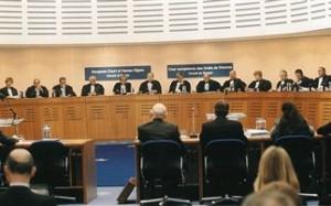 «Παράνομα και αντισυνταγματικά τα μέτρα που επιβλήθηκαν στην Ελλάδα»