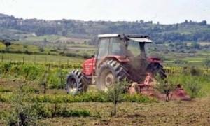Ανοίγουν βιβλία Εσόδων – Εξόδων όλοι οι αγρότες – Φόρος απ' το πρώτο ευρώ με συντελεστή 13%