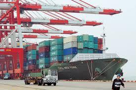 Μειωμένες 3,9% οι εξαγωγές στο οκτάμηνο