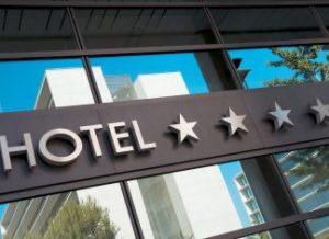 Μηδαμινές απώλειες για τα πεντάστερα ξενοδοχεία