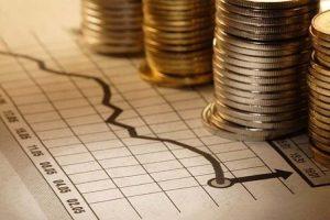 Αδιάφορα σφυρίζει το ΥΠΟΙΚ για τον κίνδυνο «βόμβας» ιδιωτικού χρέους